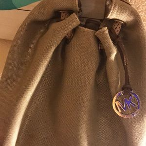 Like new!!!! Michael KORS purse 😍